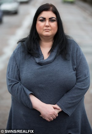 "Laura Pell, 34, from Northampton, who has been struck by a mystery illness causing her to gain eight stone in six months. January  8, 2015.  A pretty make-up artist told yesterday (Thurs) how she had become a ""human waterbed"" after a mystery illness caused her to balloon to almost twice her size - in just six months.  See NTI story NTISWELL.  Petite Laura Pell, 34, weighed nine stone (57kg) last summer and kept herself in shape by going to gym three times a week and eating a sensible diet.  But after being struck down with a mystery illness which has baffled doctors, she began to retain fluid which caused her body to swell in size.  She piled on more than a stone in weight in just 24 hours and now tips the scales at 17 stone - and is putting on an average of one-a-half-stone every month.  Laura, who lives with boyfriend Mark Appleby, 30, in Kingsthorpe, Northants., has also been forced to splash out on a completely new set of clothes after going from a trim size 10 to a bulky size 22 since last July.  The once striking brunette has also been forced to give up her job as a wedding make-up artist because she struggles to walk and fears she will end up in a wheelchair if a cure is not found."