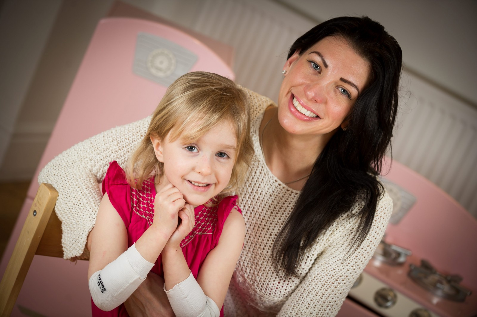 'Cuddles leave my daughter in agony' The little girl with butterfly skin