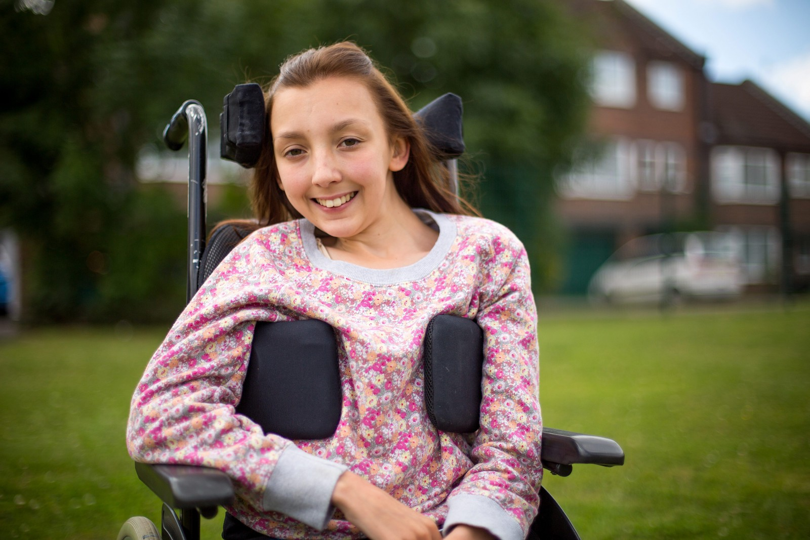 Brave teen heroically proves that people in wheelchairs are NOT easy targets