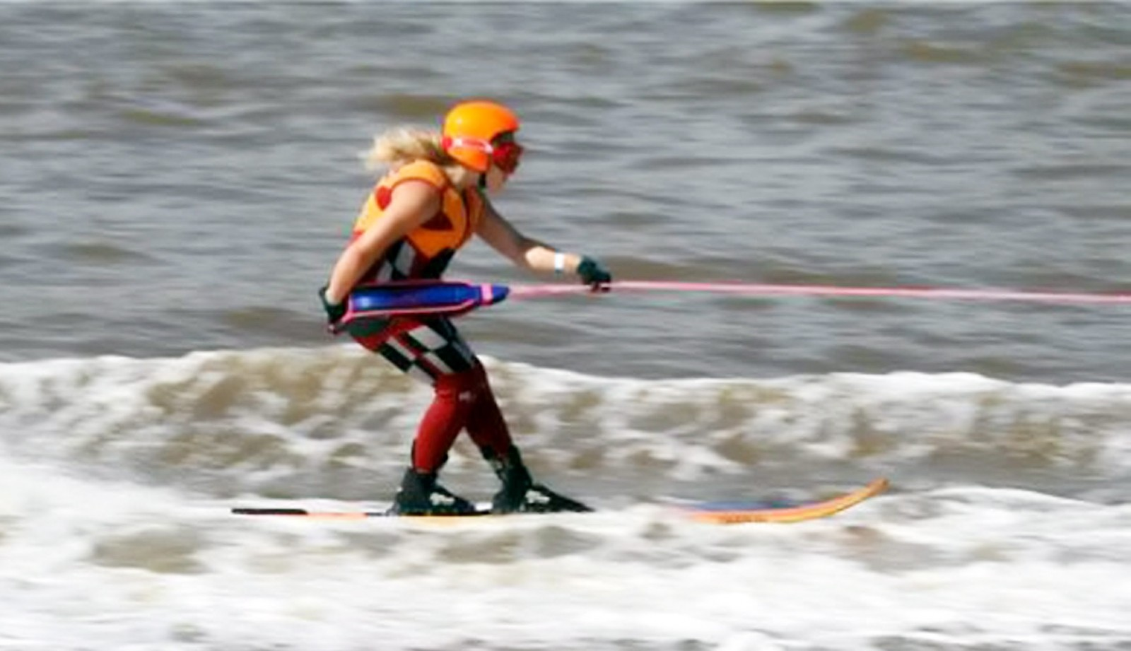 Check out how this 13-year-old girl got across the English Channel!