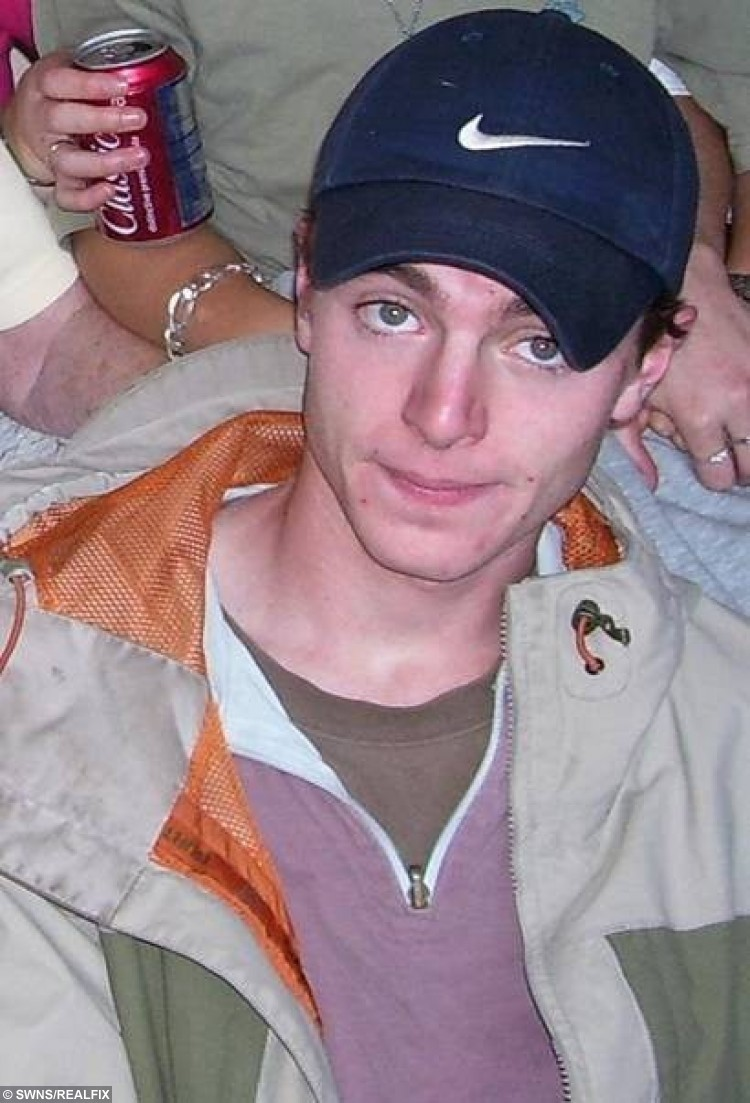 Collect of missing man Luke Durbin who was last seen in the early hours of May 12 2006 in Hollesley, near Woodbridge, Suffock. See Masons story MNAPPEAL; The younger sister of Luke Durbin who went missing when he was 19 has written a moving letter to him as a Ã20,000 reward is put up for information about his disappearance in 2006.  The investigation into the disappearance of 19 year old Luke Durbin from Suffolk is to be featured on BBC TVÃs Crimewatch. Senior Investigating Officer, Detective Superintendent John Brocklebank, will be appealing to the public via BBC Crimewatch for information to help find out what happened to Luke after he went missing in May 2006. Luke had spent the evening of Thursday 11 May, through to the early hours of Friday 12 May 2006 with friends in Ipswich but failed to return to his home address in Coronation Avenue, Hollesley, near Woodbridge.