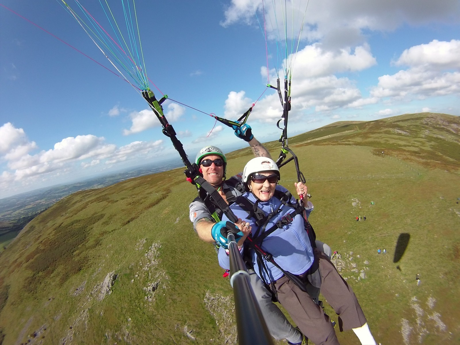 Fearless 90-year-old jumps out of a plane to fulfil lifelong ambition!