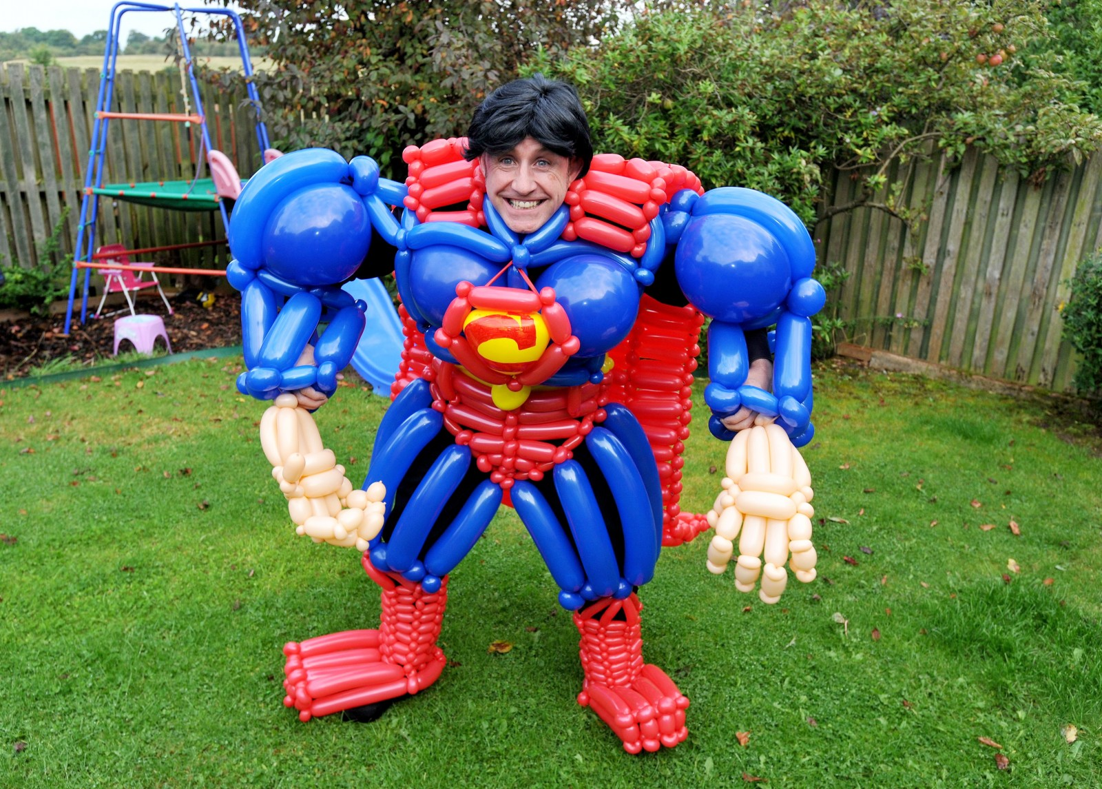 Dad creates superhero suits out of BALLOONS to inspire kids