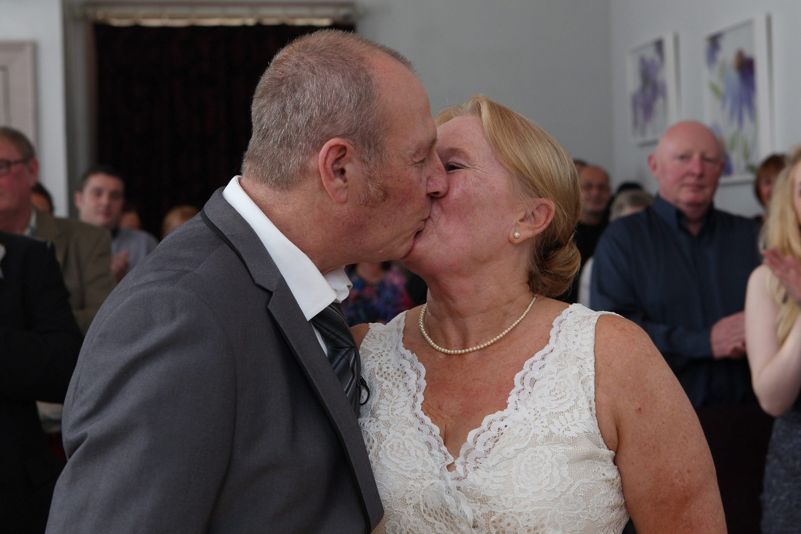 Groom with dementia brings wedding forward so he can remember marrying love of his life