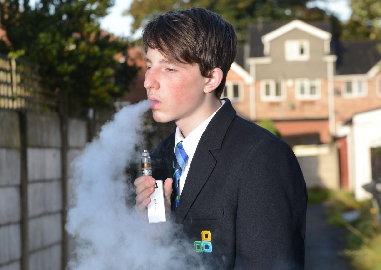 Mum slams school for confiscating her son's e-cigarette
