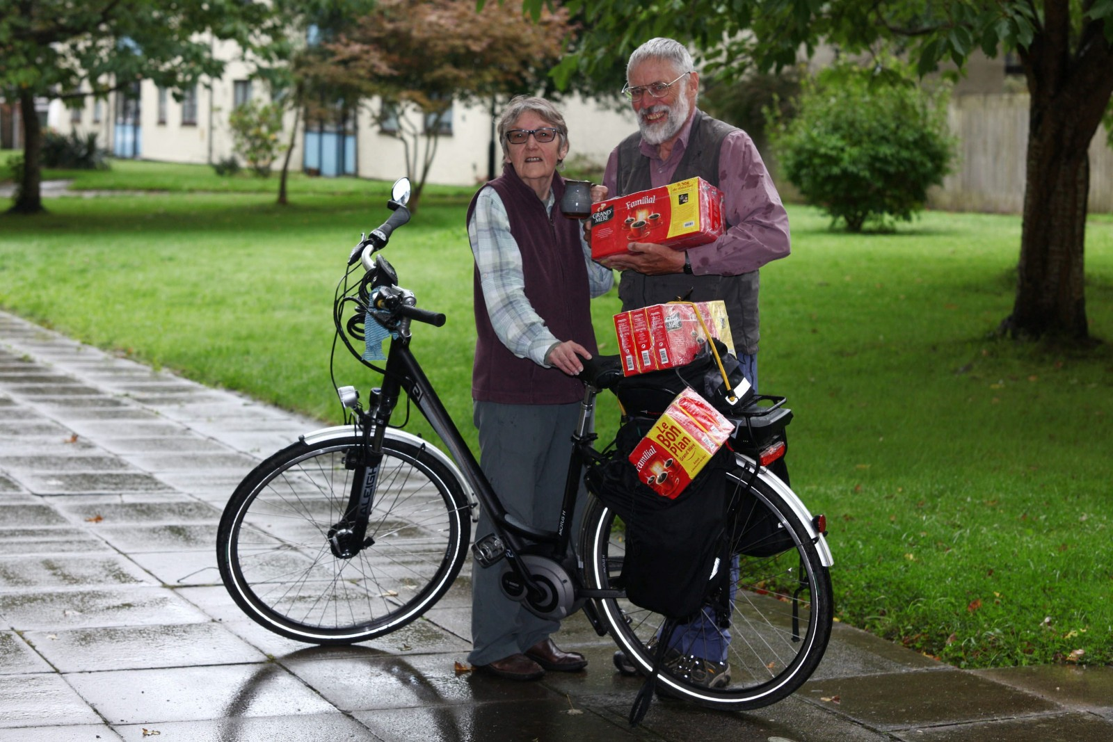 You won't believe how far devoted husband cycled to buy wife's favourite coffee!