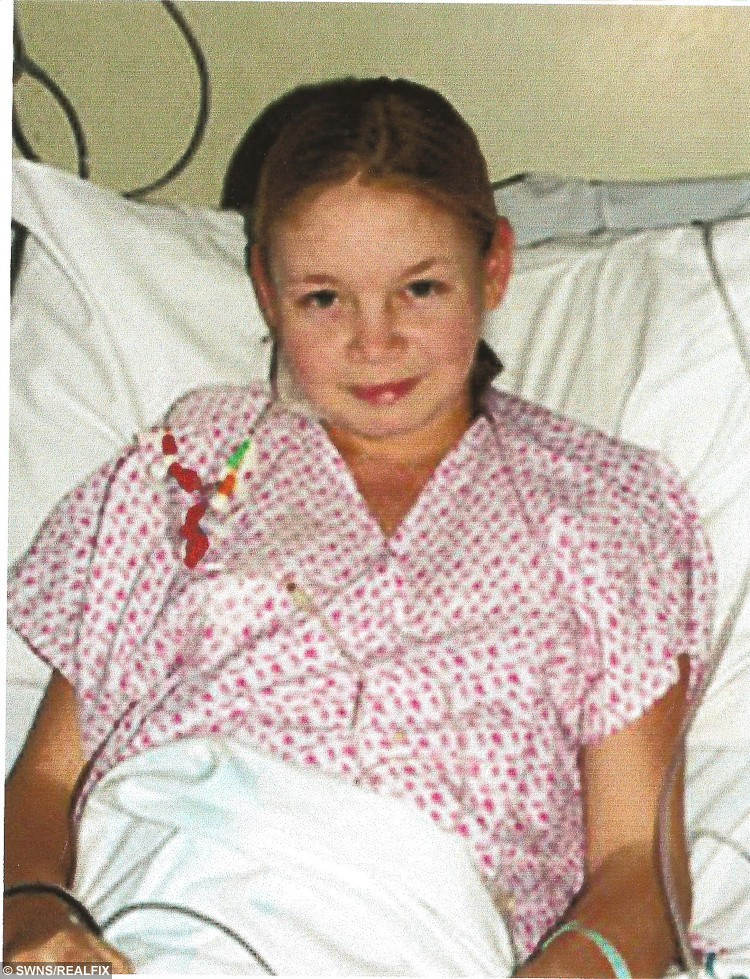 Deborah was saved when her dad gave his kidney to her a decade ago is getting a second gift of life - from her mum