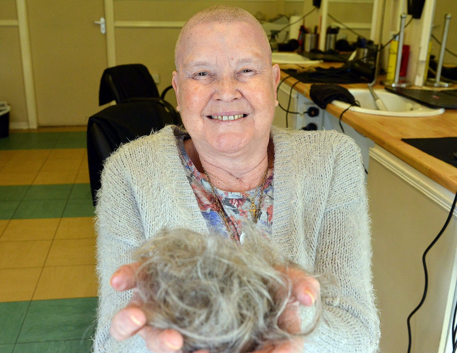 Brave great-gran battling cancer shaves her head to 'give something back'