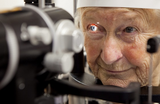 Joyce Cook, 87, who was the first to undergo a new eye transplant surgery, DMEK transplant, at Princess Alexandra Eye Pavilion, Edinburgh. See Centre Press story CPEYES; The first Scottish patient to undergo a pioneering new corneal transplant is now able to see her grandchildren's faces clearly, it was revealed yesterday (Tues). Joyce Cook became the first patient in Scotland to undergo the ground-breaking procedure, and she can now see colours, shapes, and the facial details of her eight grandchildren. The 87-year-old volunteered to undergo a Descemet membrane endothelial keratoplasty (DMEK) - an operation where the innermost layer of the cornea is replaced. Under the procedure, donor tissue is used to replace the damaged cornea, and it has a faster recovery time than traditional corneal transplants.