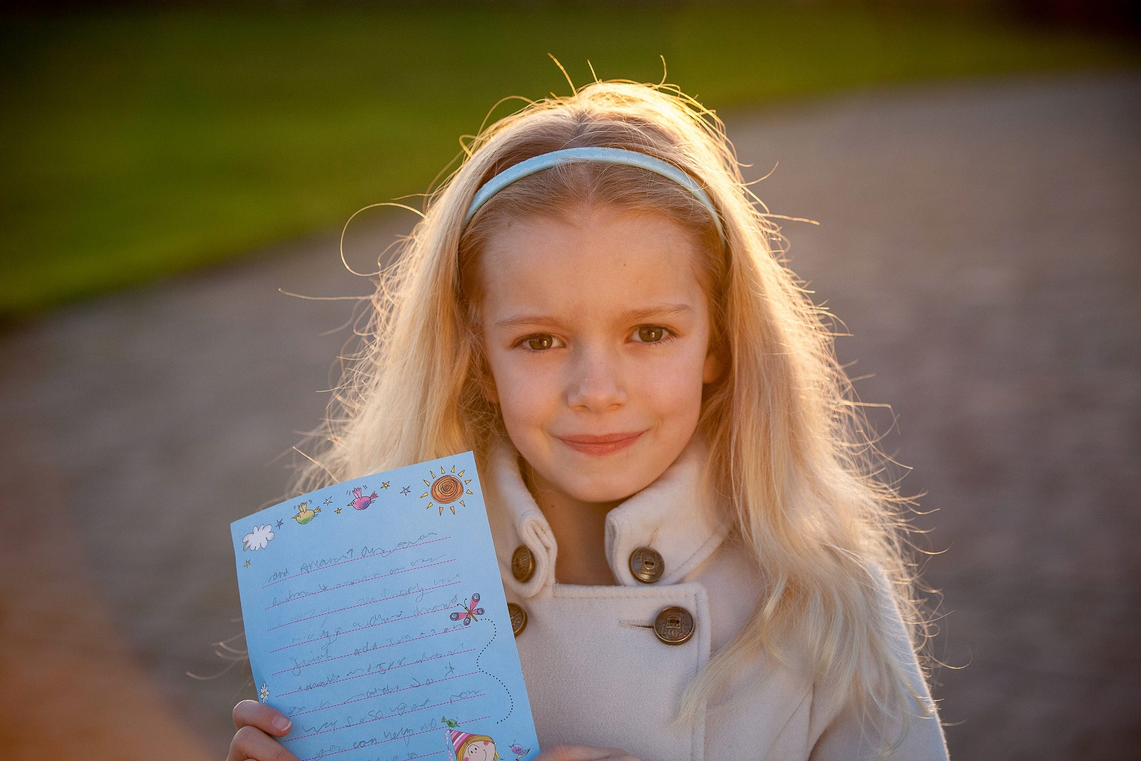 This cute girl is tackling loneliness one neighbour at a time