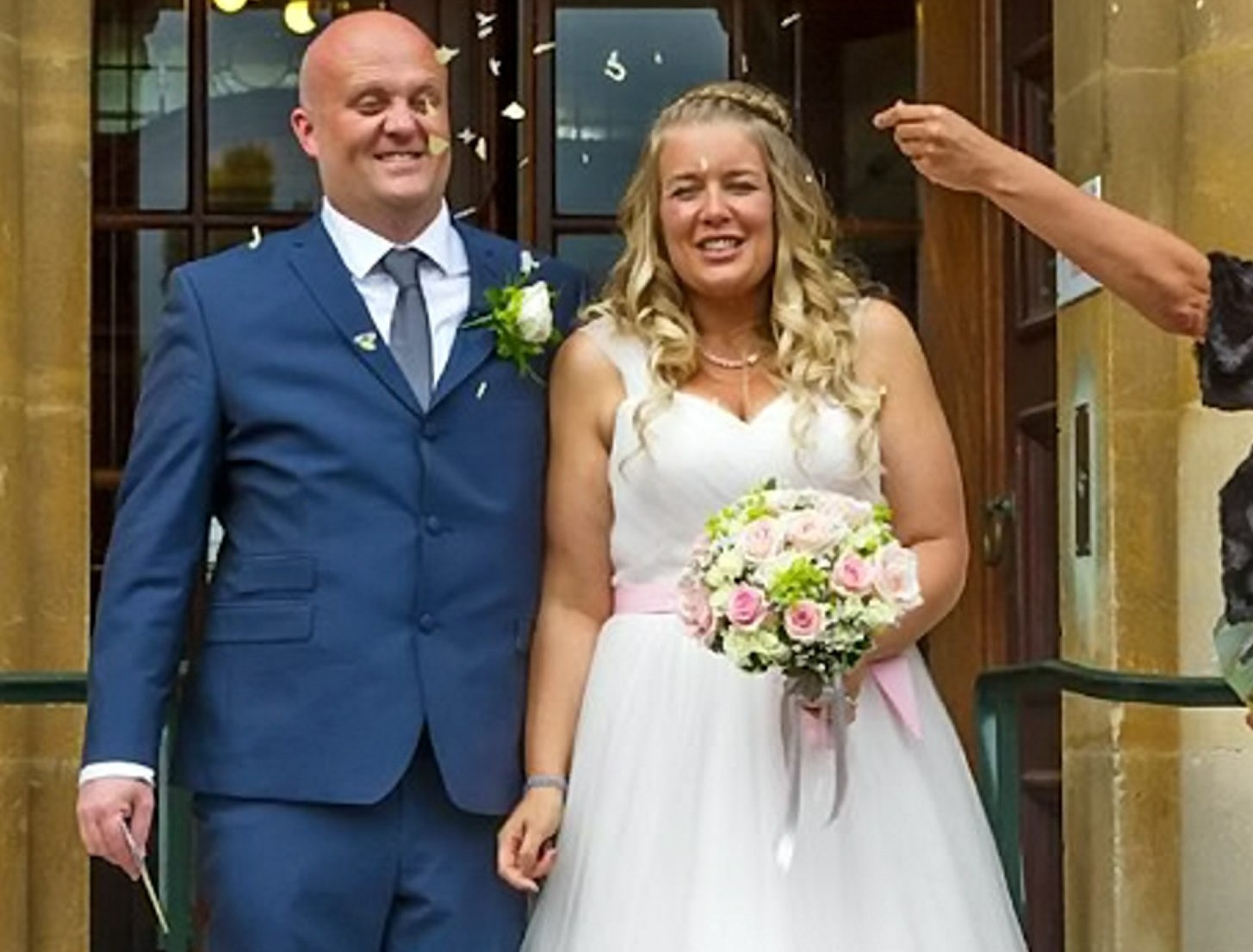 Mum drops eight dress sizes in time for her wedding by walking to Rome! (sort of..)