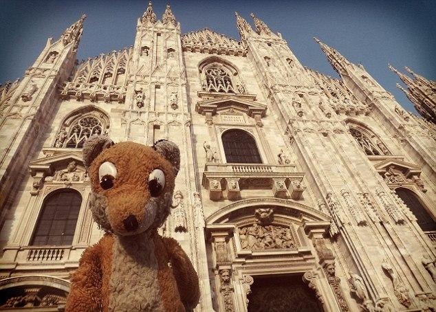 Mr Fox outside the Duomo di Milano in Milan
