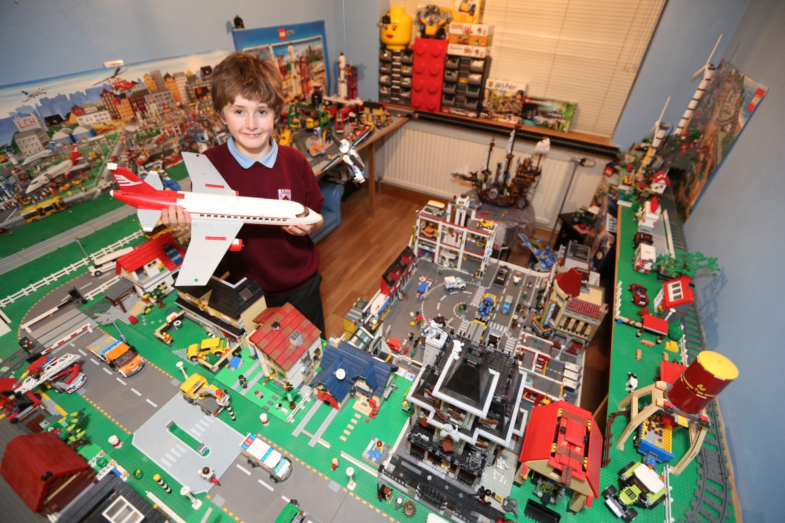 Leg Woah Father And Son Build Miniature Town To Replicate