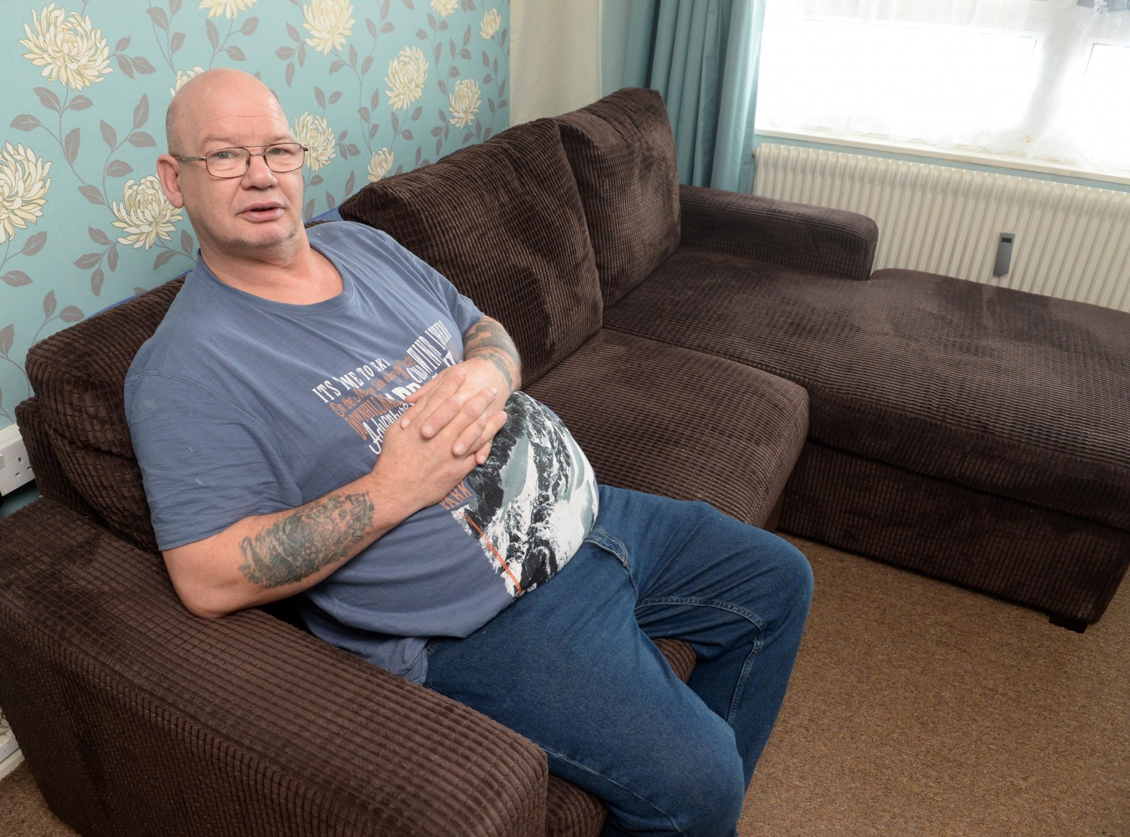 20 stone man claims he was told new sofa broke because he was 'too FAT'