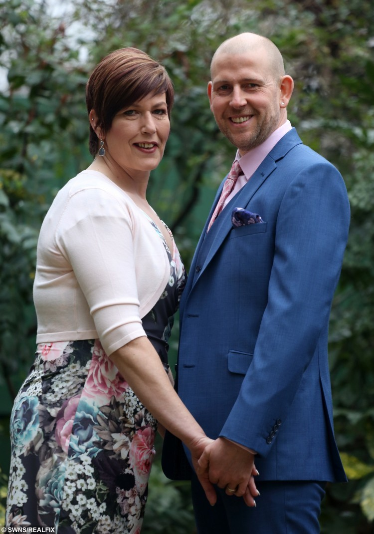 Andrew and Paula Butler, from Huddersfield in West Yorkshire, have won the Slimming World Couple of the Year 2016 award.