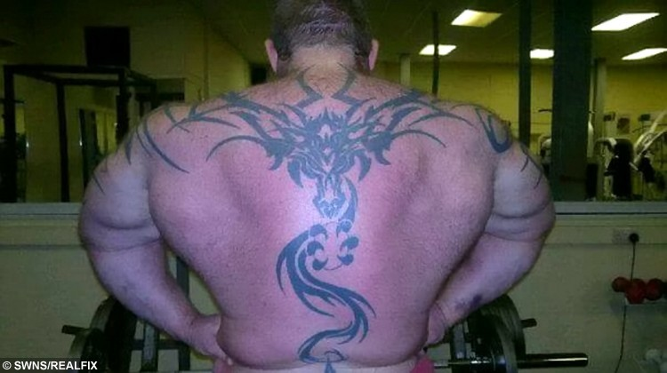 Dave Crosland's back before a strongman competition in 2012.