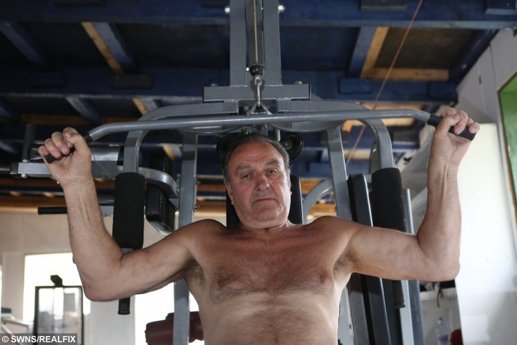 """Super-fit 75-year-old great granddad Bill Jones  puts his impressive physique down to """"hard graft"""""""