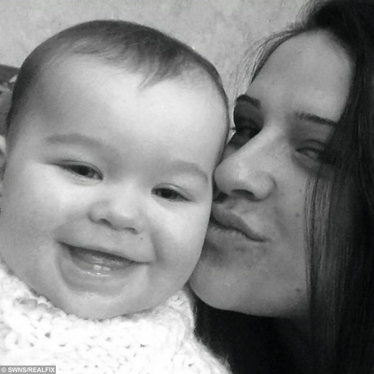 Danielle Parsons and her daughter Esmee