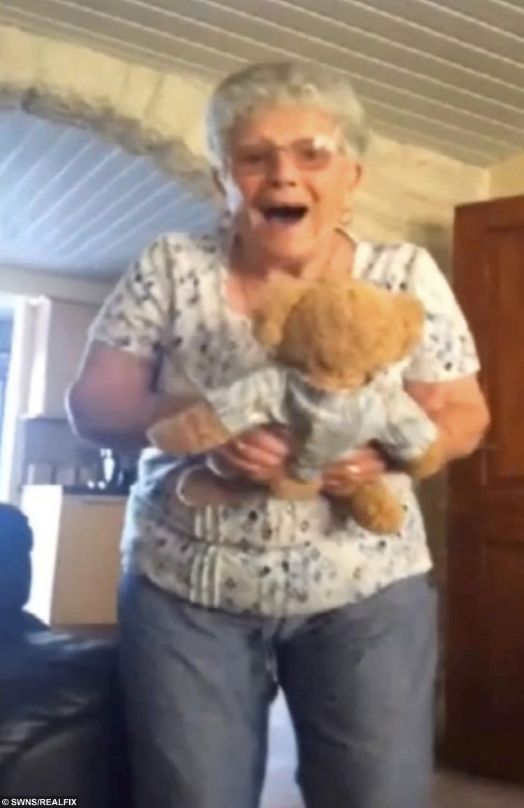 This is the heartbreaking moment an 83-year-old dementia sufferer breaks down when her granddaughter gives her a talking teddy - with her late husband's voice