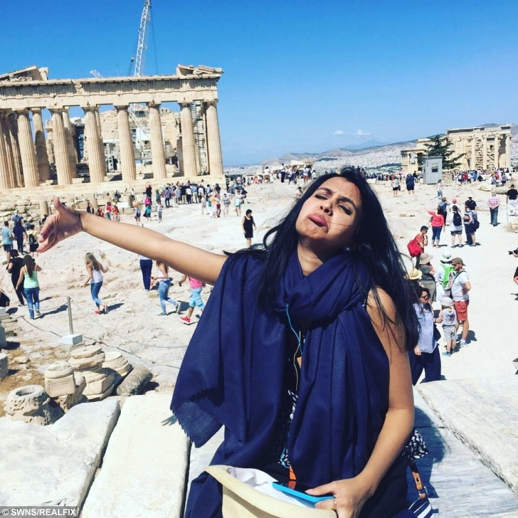 Huma, 28 in Greece missing her husband