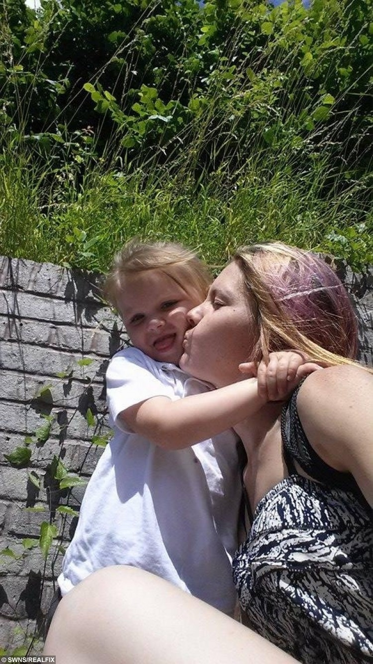 Kristi Wright and daughter Willow.