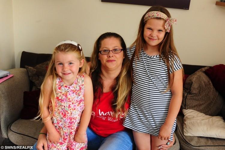 L- R Gracie Coggins, Mum Kim, and older sister Georgina