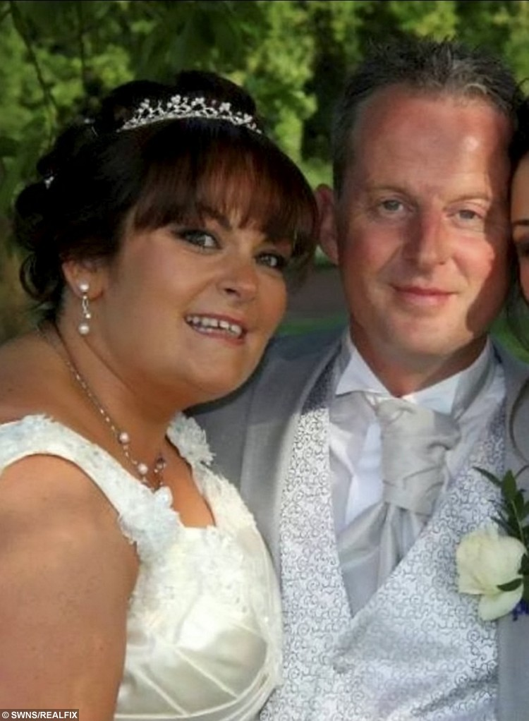 Lisa Buckingham, pictured on her wedding day to bigamist Mitchell Sharpe