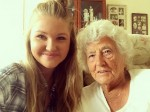 Kind-hearted girl befriends 91-year-old and shows her how to take her first selfie