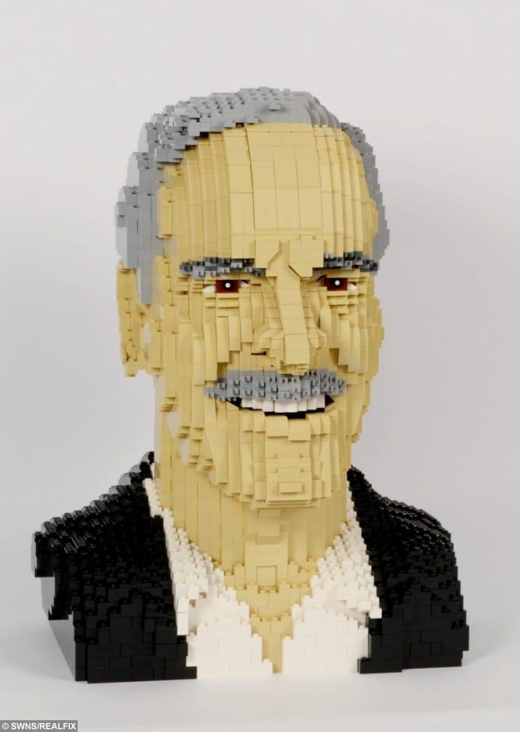 Talented Artist Creates 3D Sculptures Of Celebrity Heads