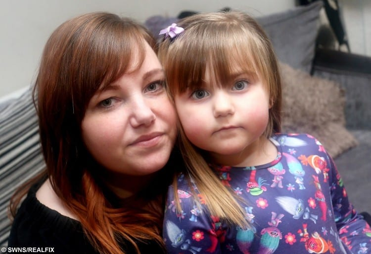 (L- R) Tammy Dundon, 26 and her daughter Sophia Wood, 3, pictured at home in Bulwell.