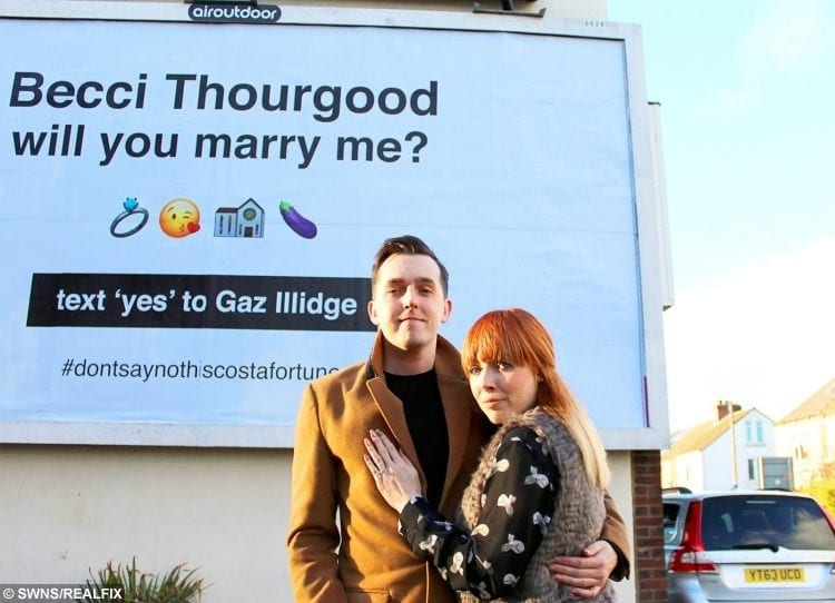 Man Surprised His Girlfriend When He Proposed On A Giant ...