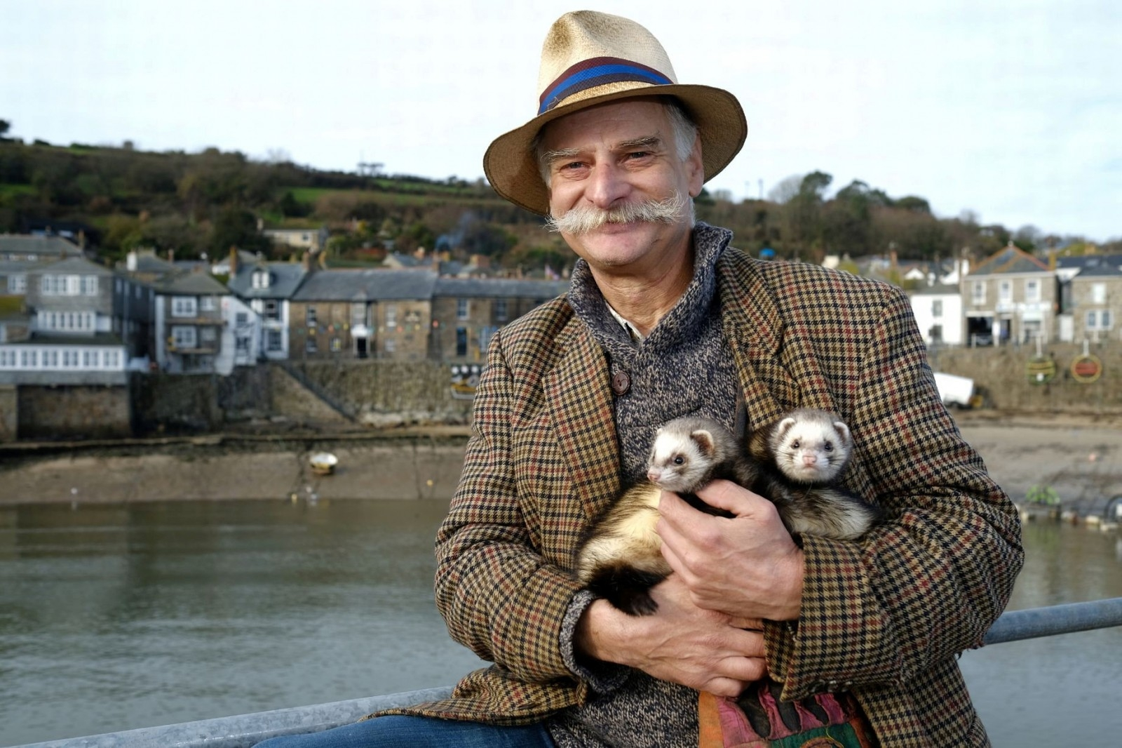 Man Banned From His Favourite Pub – For Dining With Three Pet FERRETS