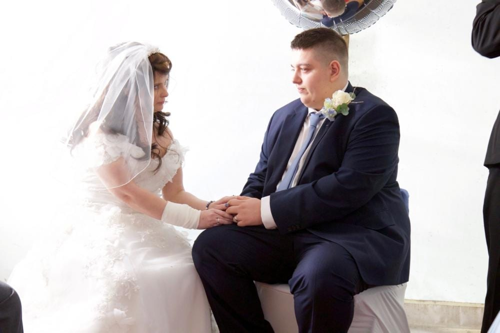 Terminally-Ill Mother Who Was Given Dream Wedding In 36 Hours Dies One Week Later