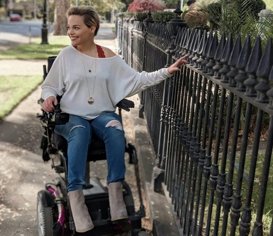 Wheelchair-Bound Fashionista Proves That Disability Doesn't Need To Hamper Style