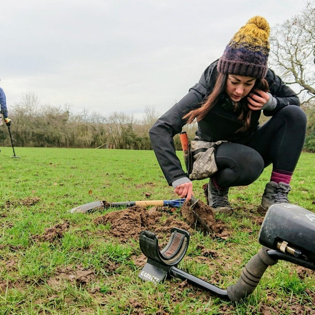 Romantic Boyfriend Proposed To Girlfriend During Metal Detecting Outing By Burying Her Ring In A Paddock