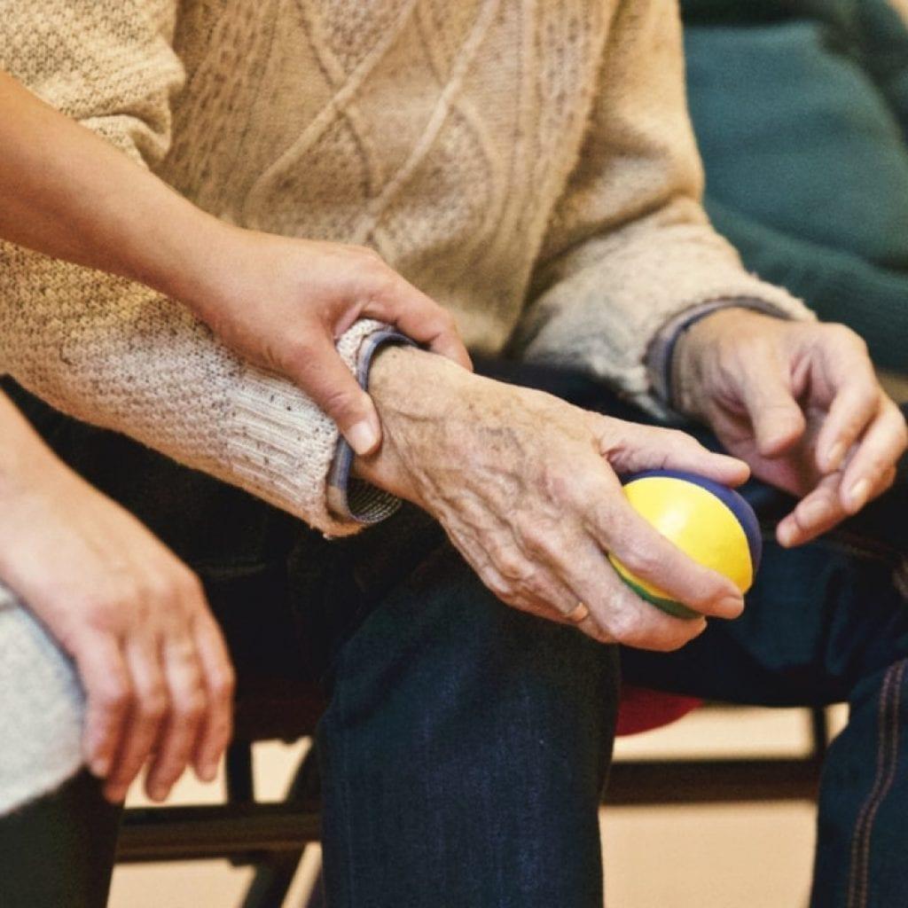 Why Every Elder Must Get a Medical Alert Bracelet