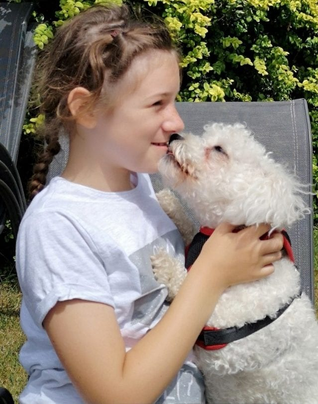 "Girl With Epilepsy Has Forged Life-Saving Bond With Her ""Best Friend"" – A Dog Who Can Predict Her Seizures"