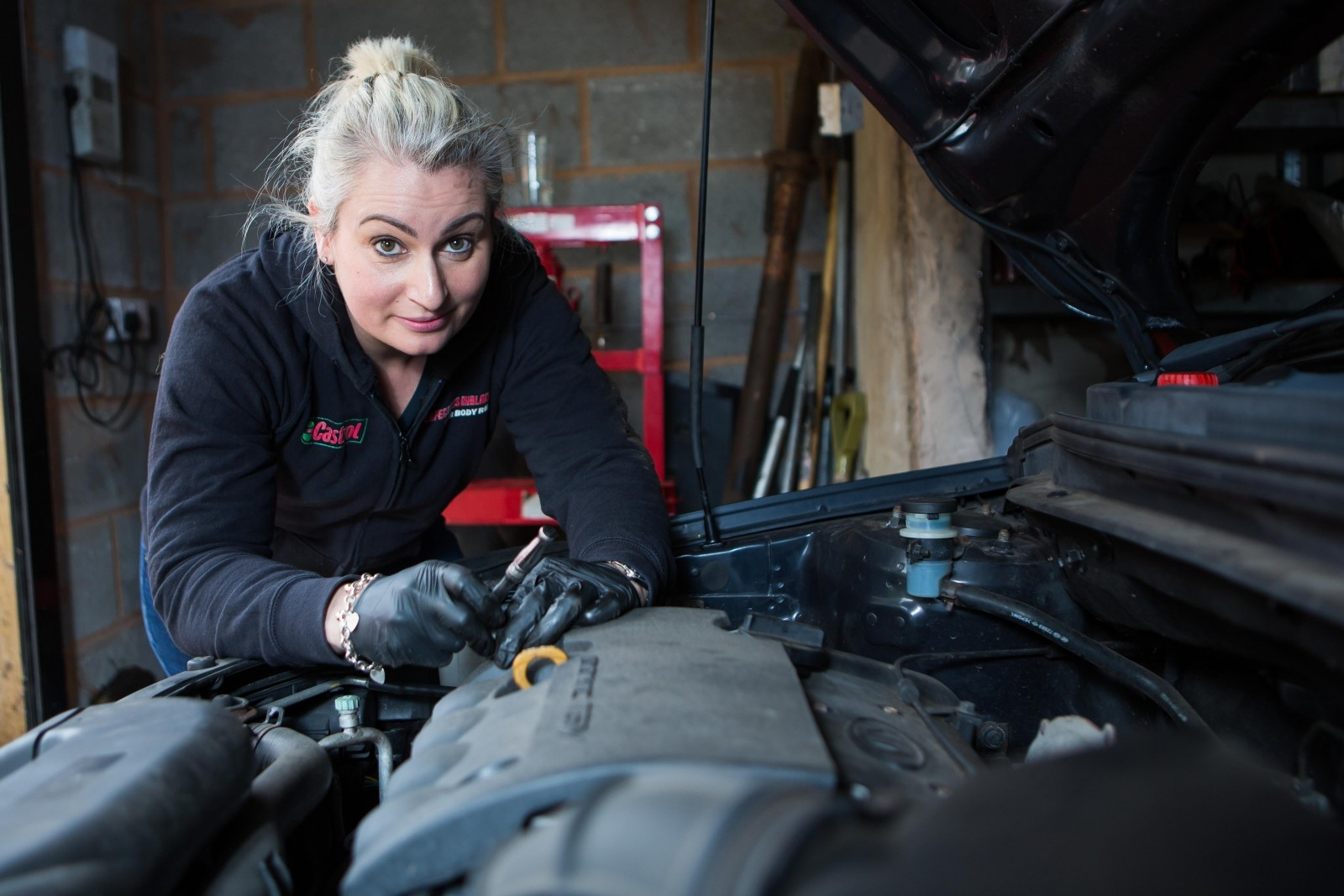 A Female Mechanic Is Hoping To Inspire Girls To Get Into The Traditionally All-Male World Of Vehicle Repair