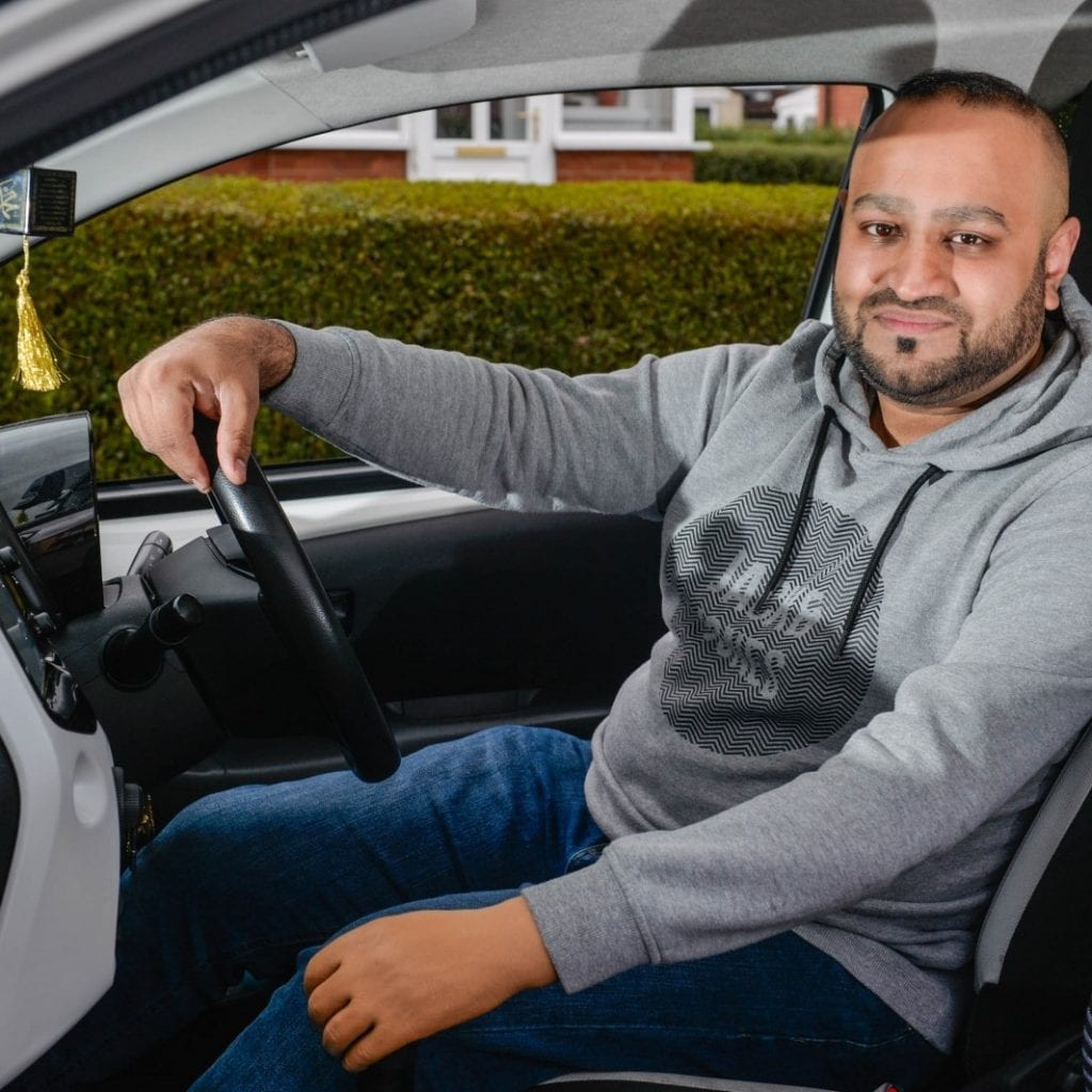 Man Who Was Born With One Arm Has Fought Against The Odds To Become A Driving Instructor – In A MANUAL Car