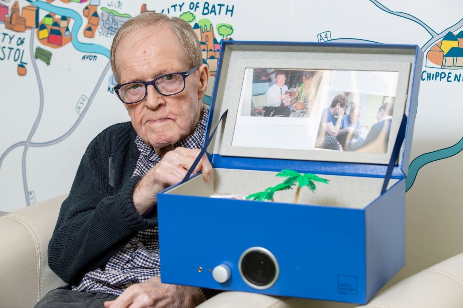 Husband Living With Dementia Finally Able To Reconnect With His Wife Thanks To 'Music Memory Box'