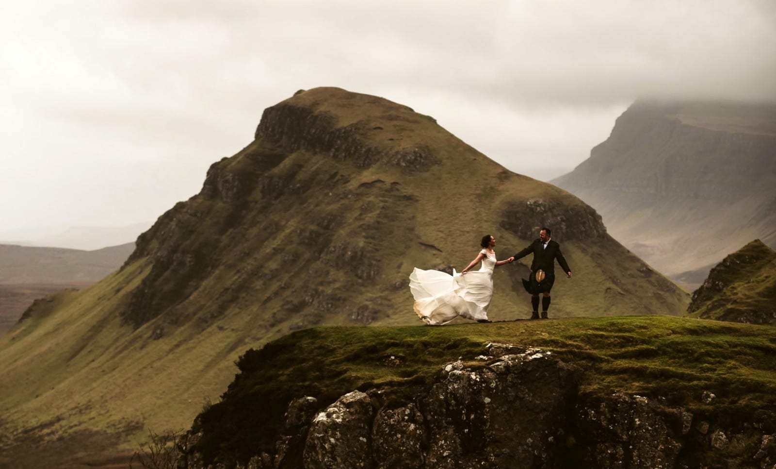 Daring Couple Hiked To The Top Of A Mountain On The Isle Of Skye To Tie The Knot