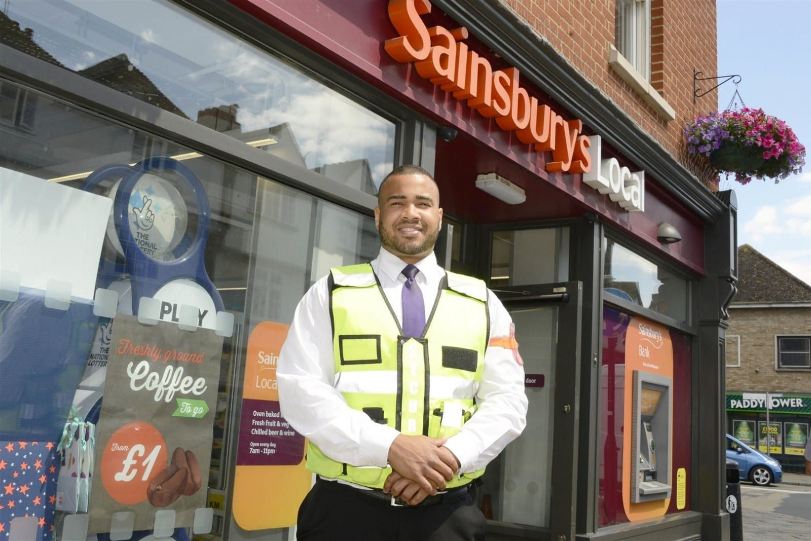 Man Dubbed The Kindest Security Guard In The UK Because He Regularly Helps Elderly People With Their Shopping