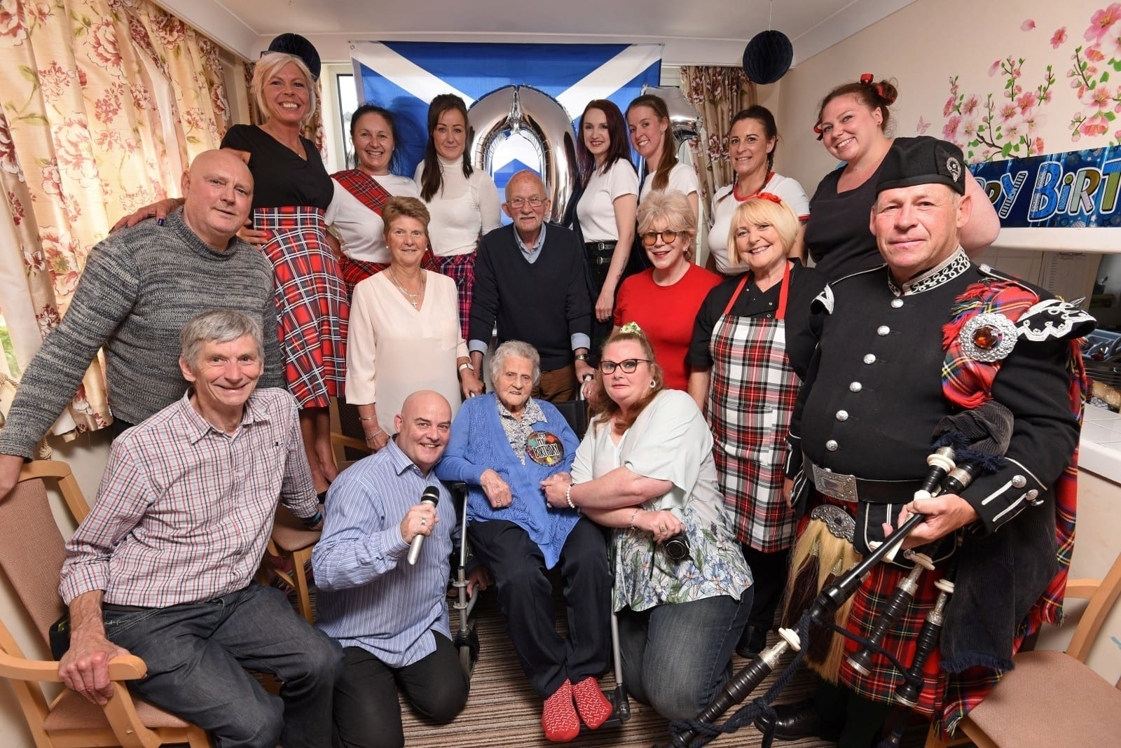 A Great-Great-Gran Living Down South Celebrated Her 101st Birthday Party With Bagpipes And Tartan Dress Code In A Nod To Her Scots Heritage