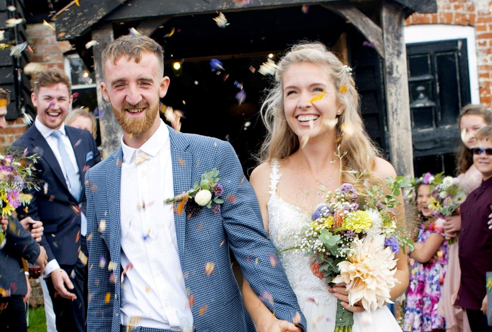 Green-Fingered Couple Rent An Allotment To Grow All Their Own Flowers - For Their WEDDING