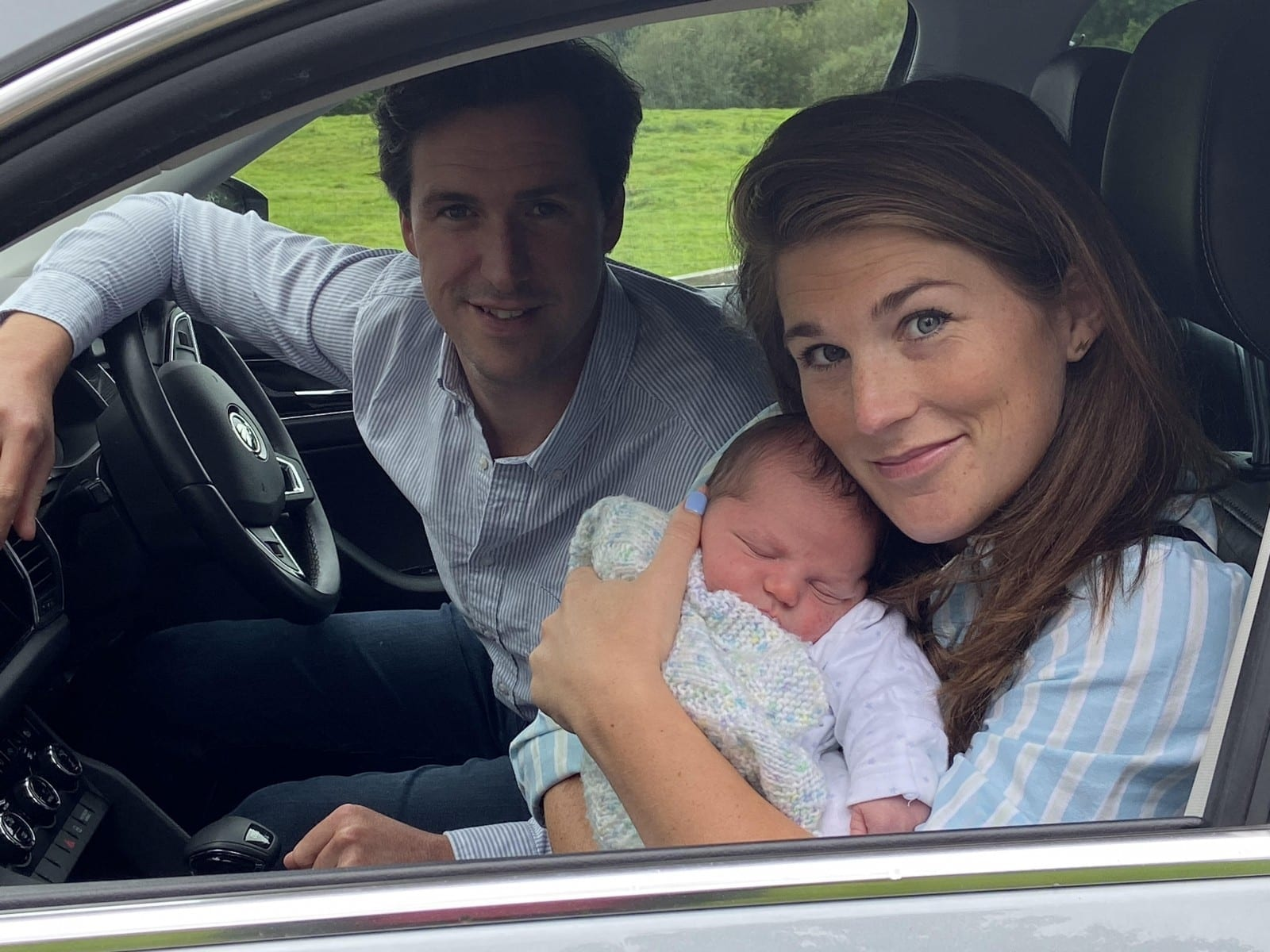 """A Dad Had To """"Catch"""" His Newborn Son While Driving As Wife Gave Birth On The Way To Hospital"""