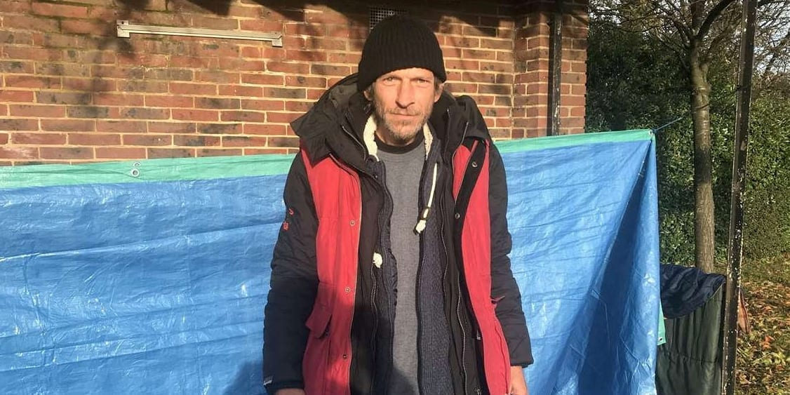 'I Feel Safer On The Streets. People Look Out For Me' - Former High-Flying Banker Is Now Homeless And Living In A Bus Shelter