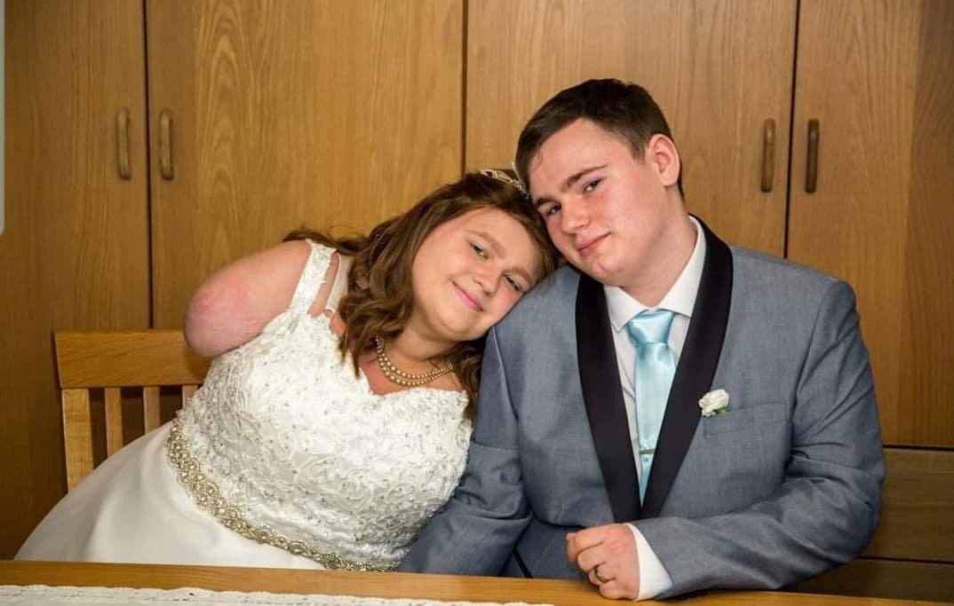 'It Doesn't Matter How Long I Have With Him, As Long As I'm With Him' - Brave Bride Who Lost Her Arm To Cancer Has Got Married After Receiving Devastating News She Is Terminal