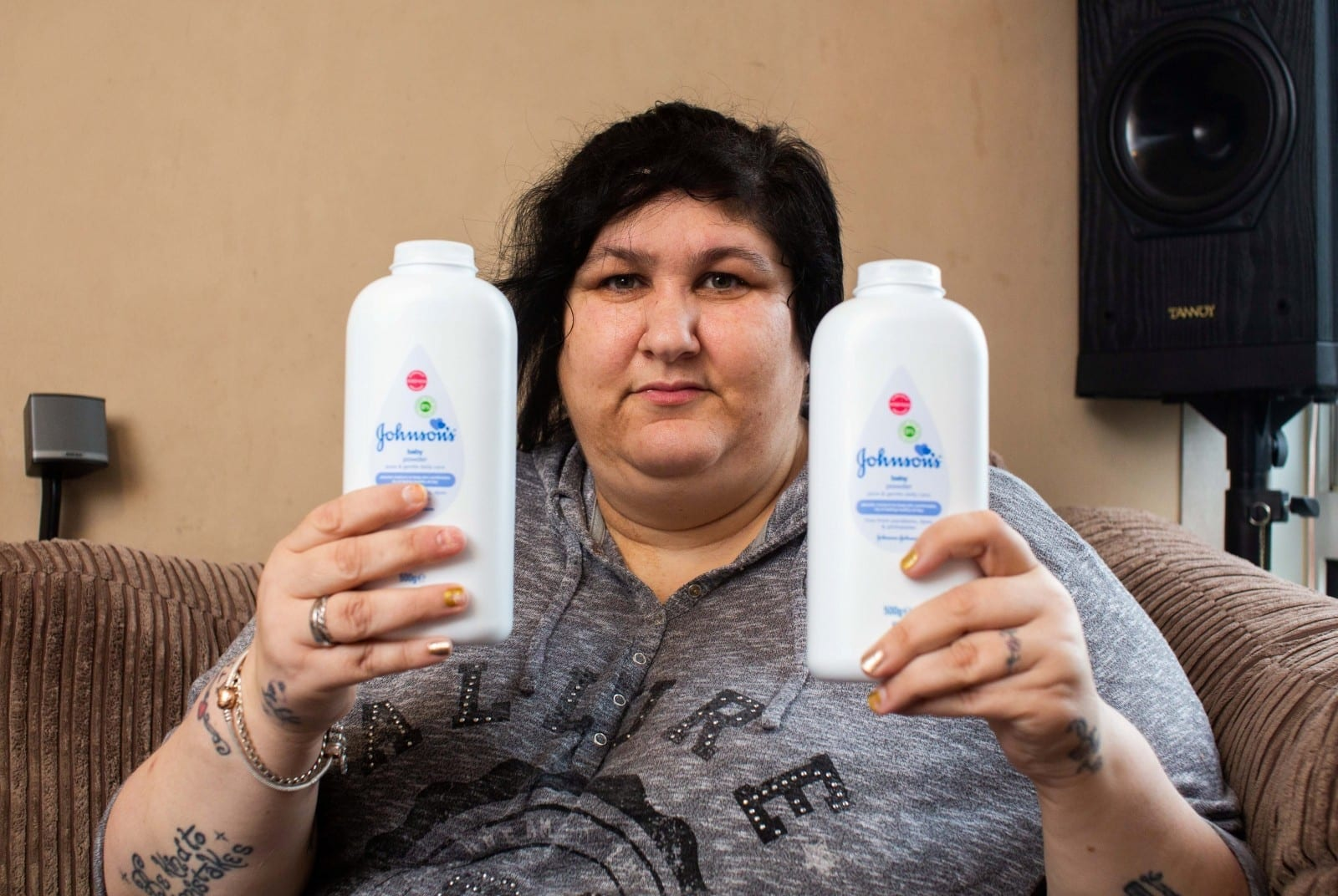 'I Can't Go Half An Hour Without It!' -  Mum Speaks Of Rare Condition Which Has Seen Her Spend £8,000 On Eating A Tub Of Baby Powder A DAY