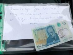 Pleasant Craze Sweeping The Nation After A Number Of Kind Notes Were Left On Ambulances Attending Emergencies