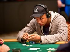 Phil Ivey facing legal trouble over his famed winnings at Atlantic City; card manufacturer in deep too